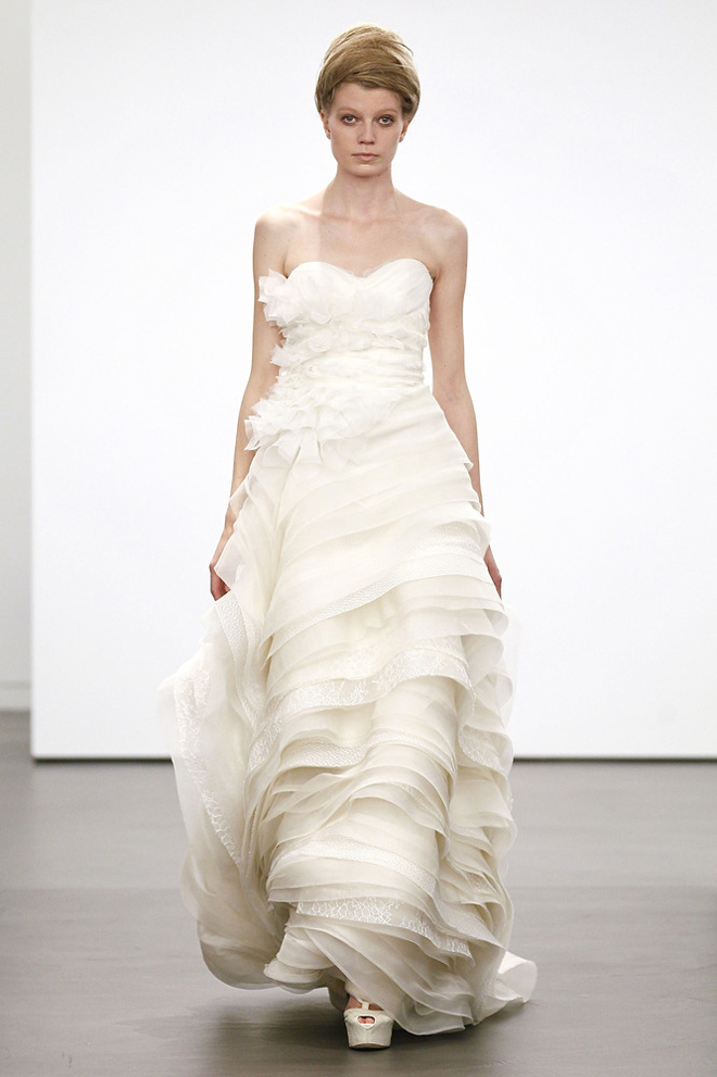 Vera wang fall 2013 wedding gown collection for Vera wang classic wedding dress