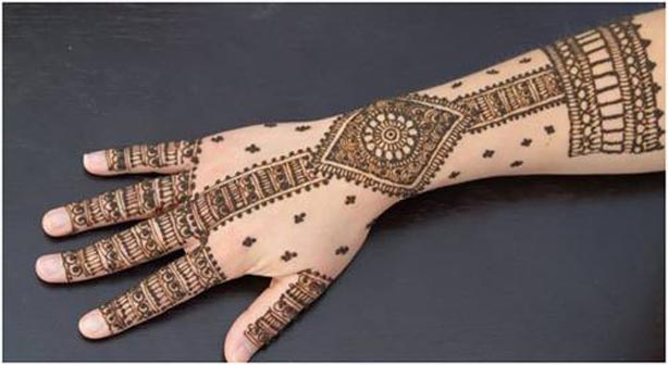 Simple Mehndi Designs for Bridals