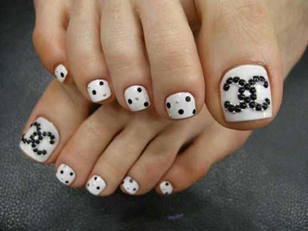 17 Beautiful & Stylish Pedicure Nail Art Ideas To Try This Summer ...