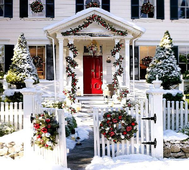 Cheap christmas house decorating ideas easy christmas for Cheap xmas decorations