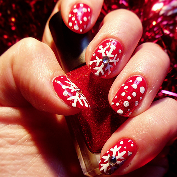 Easy Christmas Nail Art: Easy Christmas Nail Art Designs To Spice Up Holiday Season