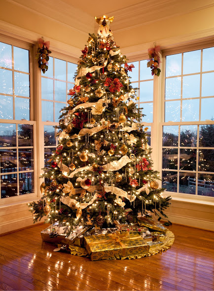 how to decorate christmas tree professionally 4 steps
