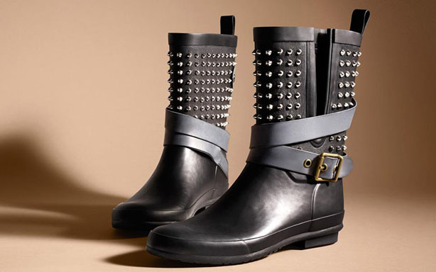 Must have Autumn Winter 2017 Accessories Collection by Burberry