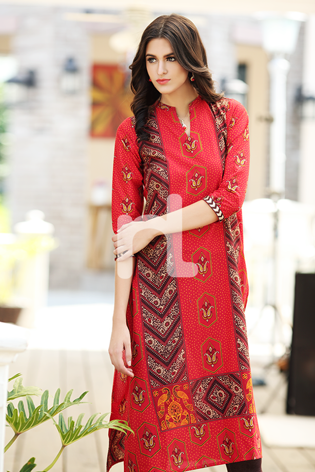 Stylish Kurta Designs for Girls for This Season-Kurta Collections