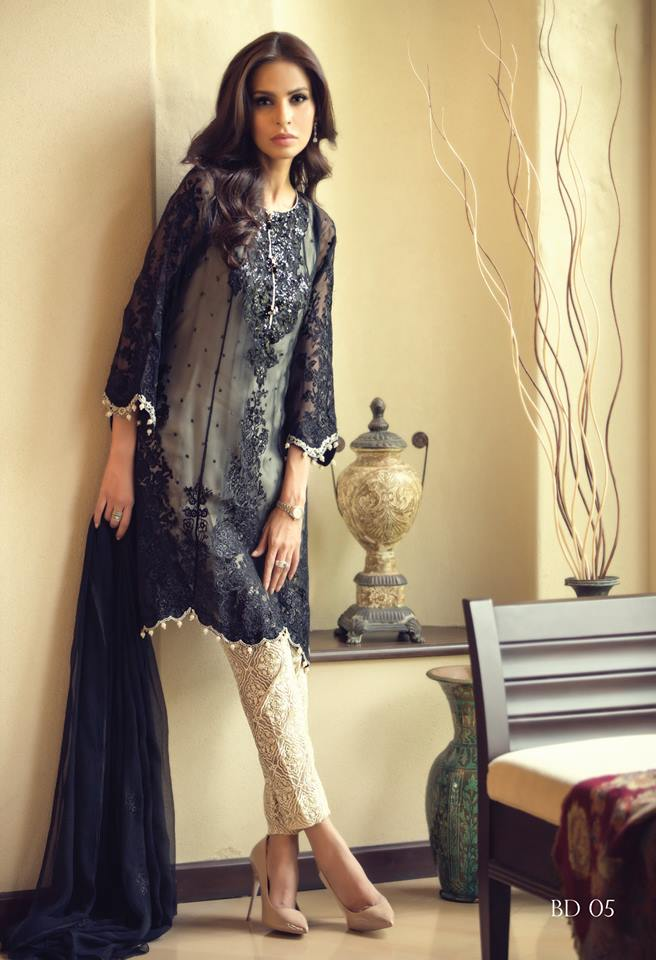 Latest pakistani party dresses 2017 designer dresses for Designer clothes discounted