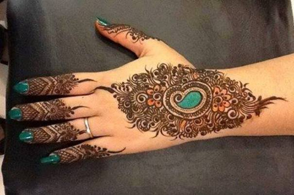 wedding mehndi design for back of hand