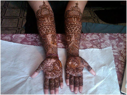 traditional bridal mehndi design