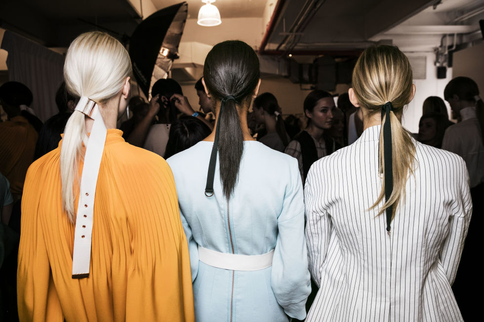 trendy low pony tails for spring summer 2017