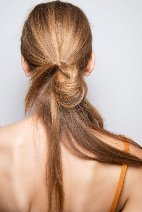 trendy side pony tails for spring summer 2017