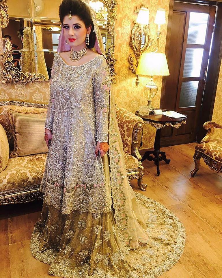 b6167ceefb Latest Pakistani Bridal Dresses 2019 For Girls - StyleGlow.com