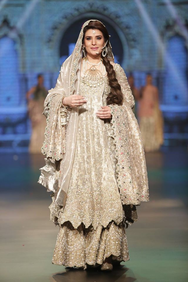 Pakistani Bridal Dresses 2017 For Walima