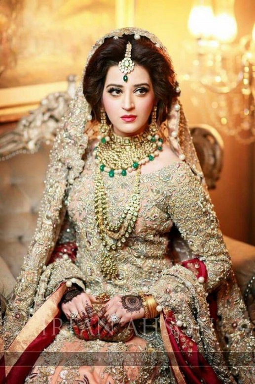 e0e6cb7db Latest Pakistani Bridal Wedding Dresses 2019 Collection - StyleGlow.com