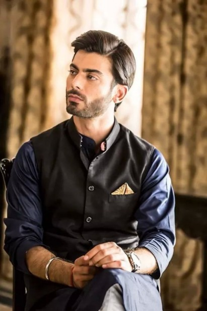 c85f50010808c One have to look for the present trends that is revolving around in market  now a days. For shalwar kameez