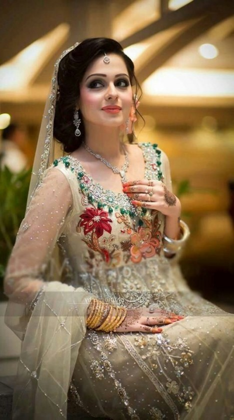 2e6993e53e7 Top Pakistani designers bridal dresses collection has come into the market.  So visit and be up to date to the latest trends. Following renowned  designers ...