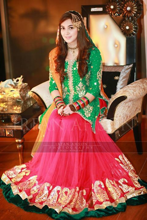Popular Bridal Mehndi Dresses 2020 Beautiful Designs Styleglow Com