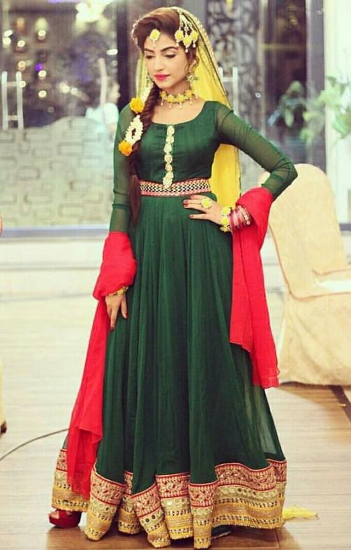 Popular Bridal Mehndi Dresses 2019 Beautiful Designs