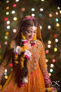 orange ghara in mehndi