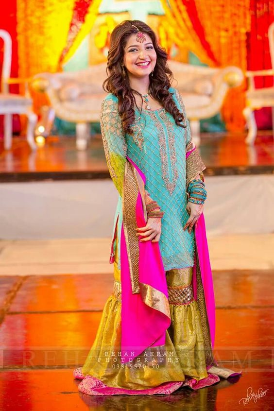 Popular Bridal Mehndi Dresses 2019 Beautiful Designs