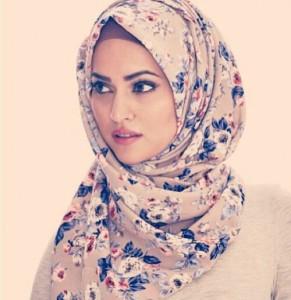 Flowwery Hijab Style