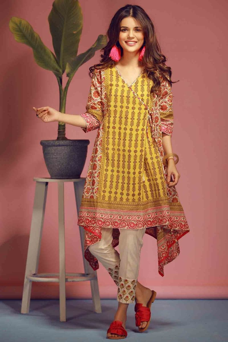 000b8955cf9bdf It follows the latest women kurti design trends 2019 with competitive  prices. As outclass fabric requires slightly higher costs and Khaadi is  following this ...