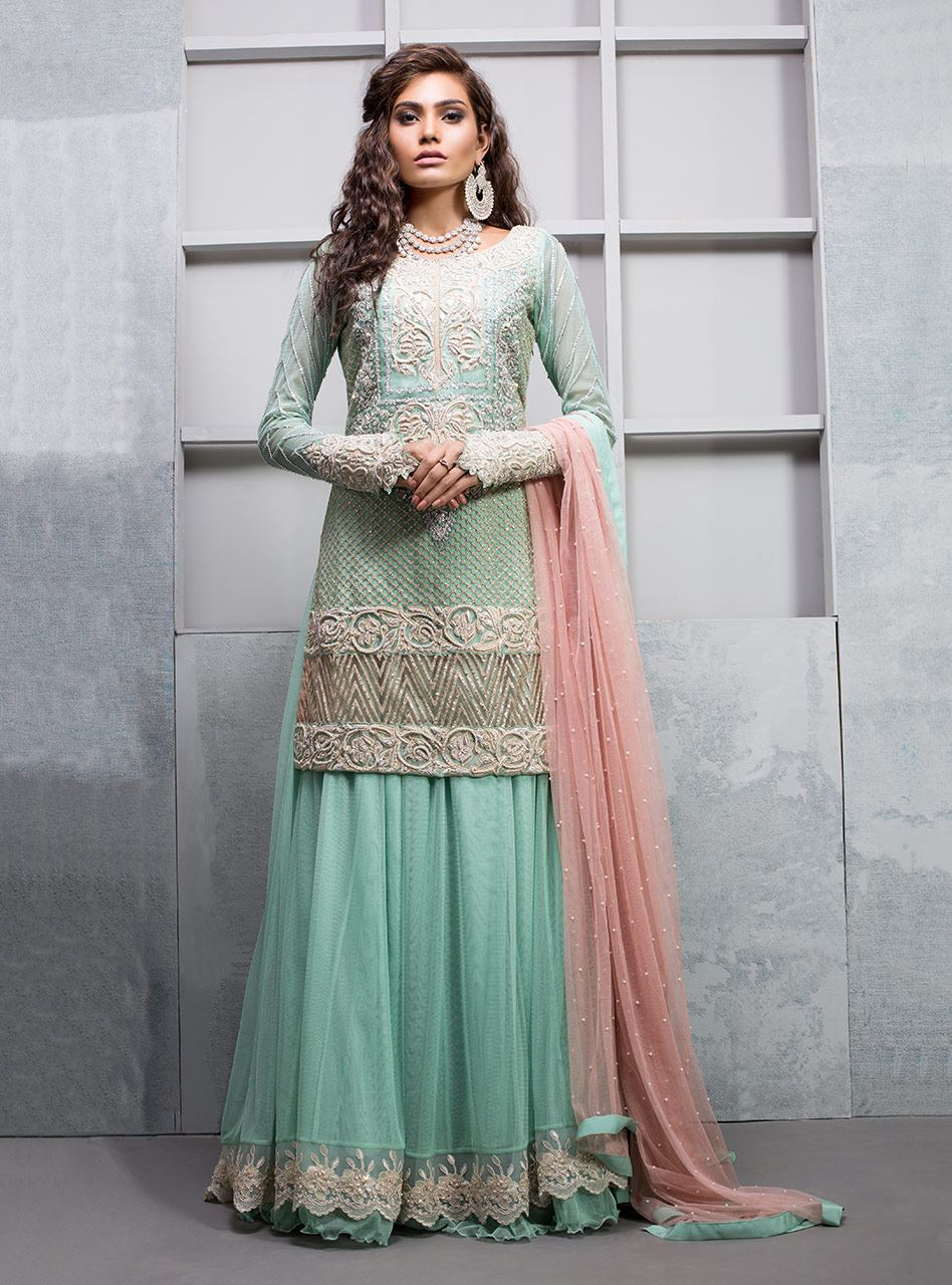 178d5827db Another category in Zainab Chottani collection for summer is light. Guys,  you will see elegant work on shirts front & back, neckline, beautiful  cutwork ...