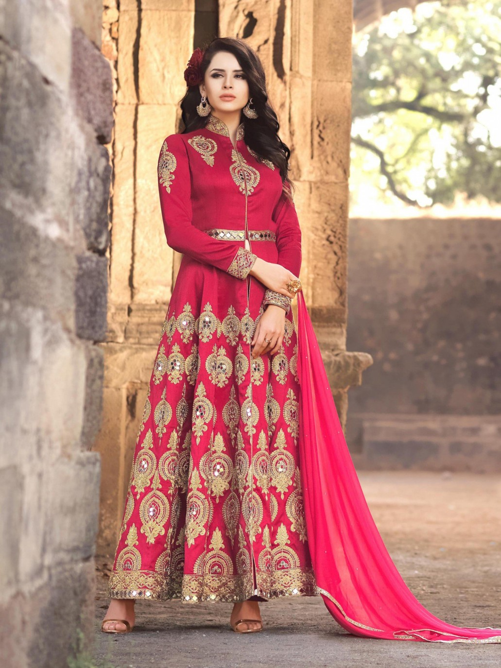 4e8012a11d Top designers in short frock dresses and suits include HSY, Nomi Ansari,  Tena Durrani, Asim Jofa, Sania Maskatiya and many others.