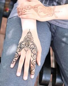 Cool Eid Arabic Mehendi Design