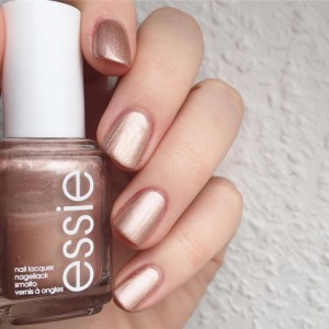 Essie Color Naked