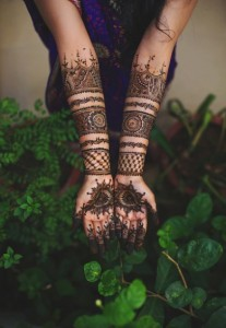 Indian Minimal Mehendi Design