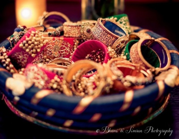 Traditional Indian Wedding Gifts: Pakistani Wedding Gift Ideas For Bride And Groom