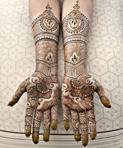 Rifting Mehendi Eid Design