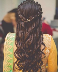 back view of bride hairstyle
