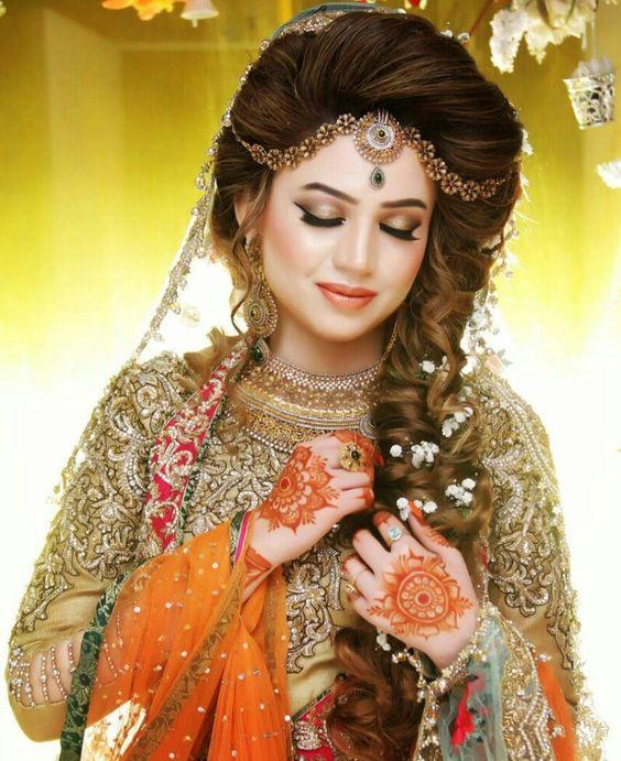 Beautiful Pakistani Bridal Dresses: Best Pakistani Bridal Hairstyles 2020 For Wedding