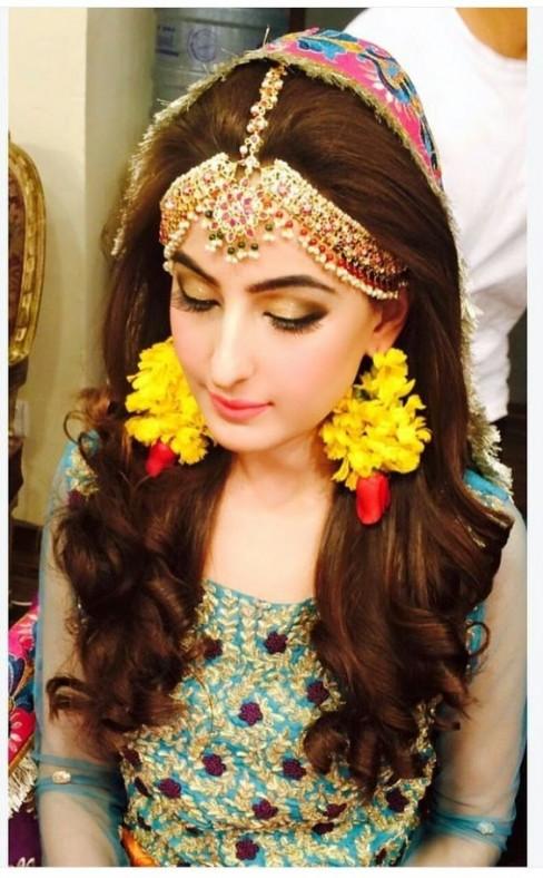 Best Pakistani Bridal Hairstyles 2020 For Wedding