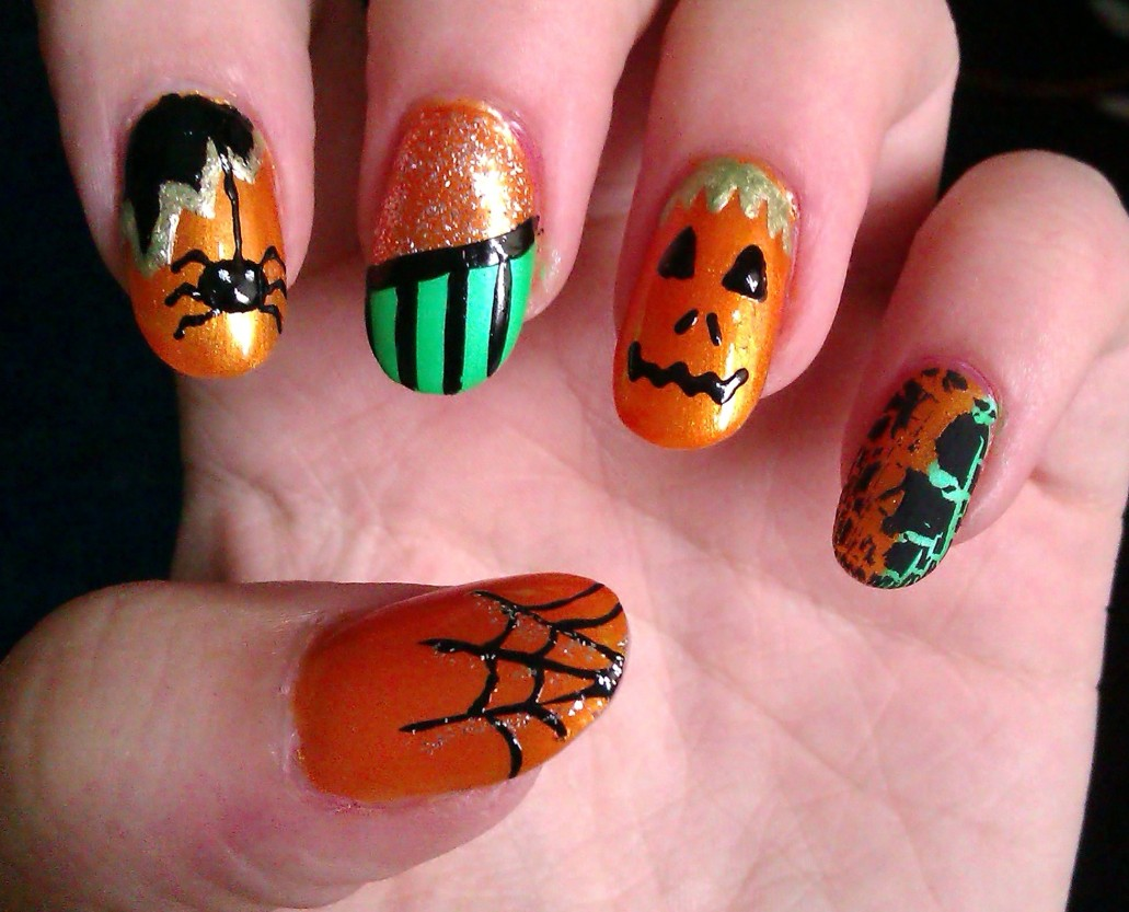 6 best easy charming diy halloween nail art design tutorials art tutorial for beginners to do it yourself at home pumpkins are not only for scary decoration but can be easily plotted on your nail area for having solutioingenieria Image collections