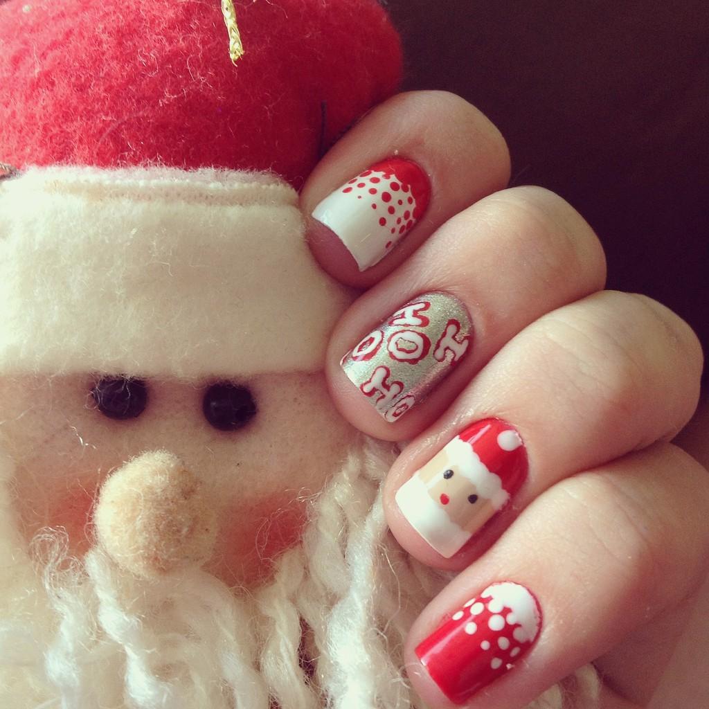 Santa Nail Art: Best Easy & Lovely Christmas Nail Designs